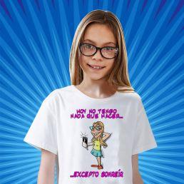 camiseta con caricatura de niña